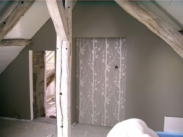 La haute meign re l tage for Peindre des poutres en blanc ceruse